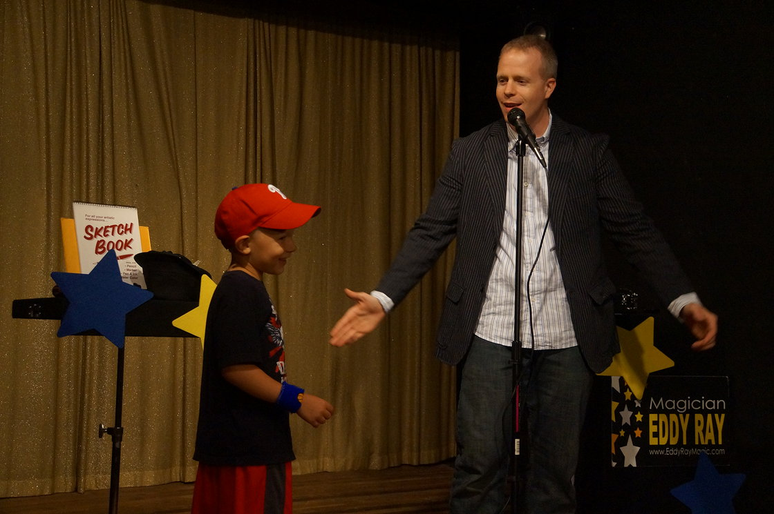 Hire Family Fun Magician Eddy Ray Today!